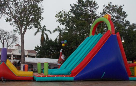 Resbaladilla inflable gigante for Resbaladilla para alberca